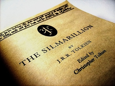 Silmarrillion,_Just_under_the_Cover